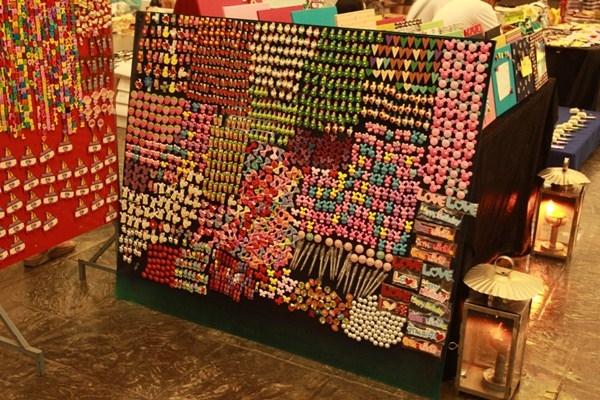ตลาดตะเกียง-สินค้ามากมาย