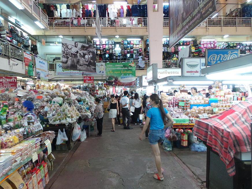 ตลาดวโรรส-บรรยากาศ