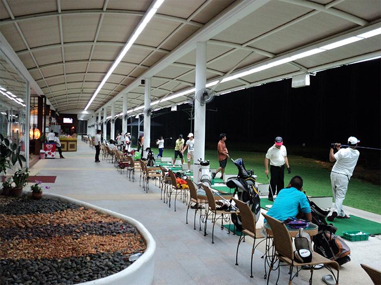ทวิมุข สปอร์ต คอมเพล็กซ์ สนาม golf