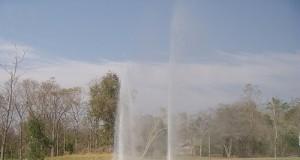น้ำพุร้อนสันกำแพง-น้ำพุ