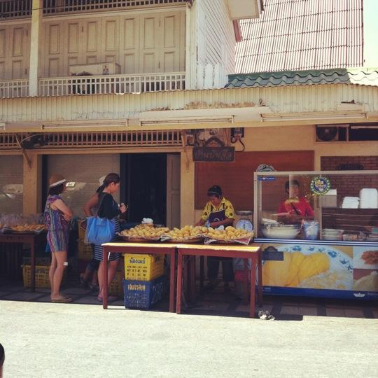 ร้านข้าวเหนียวมะม่วงร้านป้าเจือ-บรรยากาศ