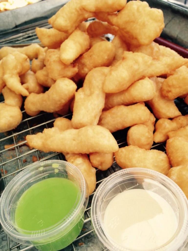 สมชาย-ปาท่องโก๋-อร่อย