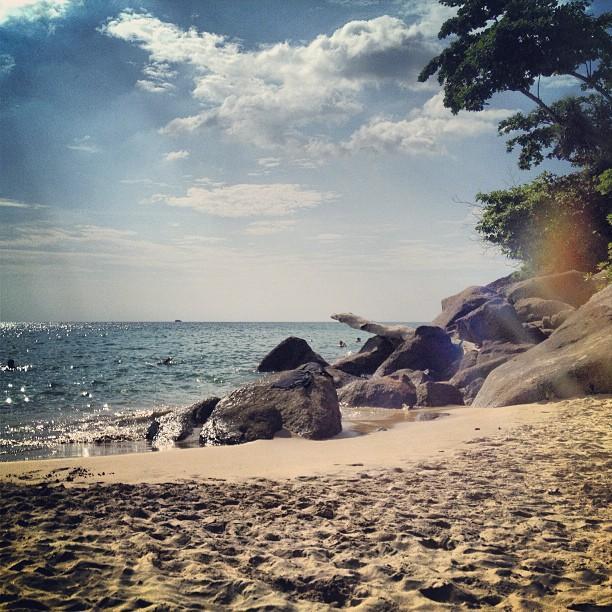 หาดกะตะน้อย หาดกะตะใหญ่-โขดหิน