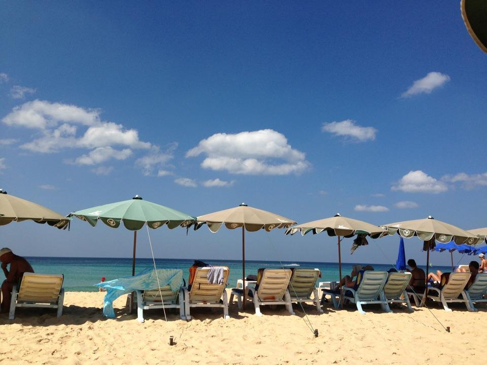 หาดกะรน-นักท่องเที่ยว