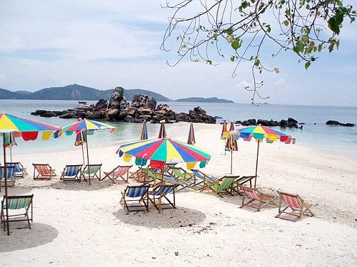เกาะนาคาน้อย-เตียงผ้าใบ-ชายหาด