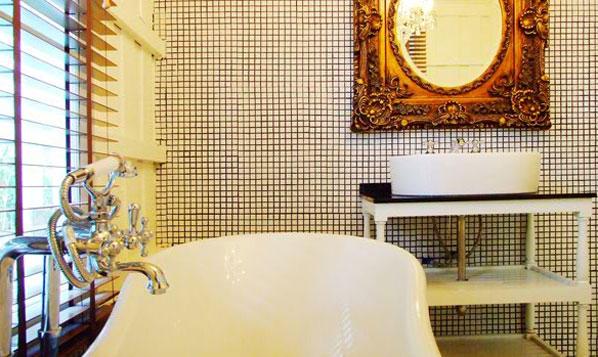 เดอะ เฮ็น หัวหิน-อ่างอาบน้ำ