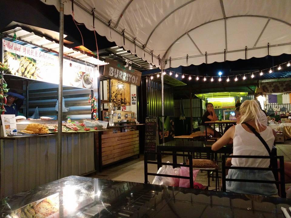 เพลินฤดีไนท์มาร์เก็ต เชียงใหม่ Ploen Rudee Night Market Chiang Mai
