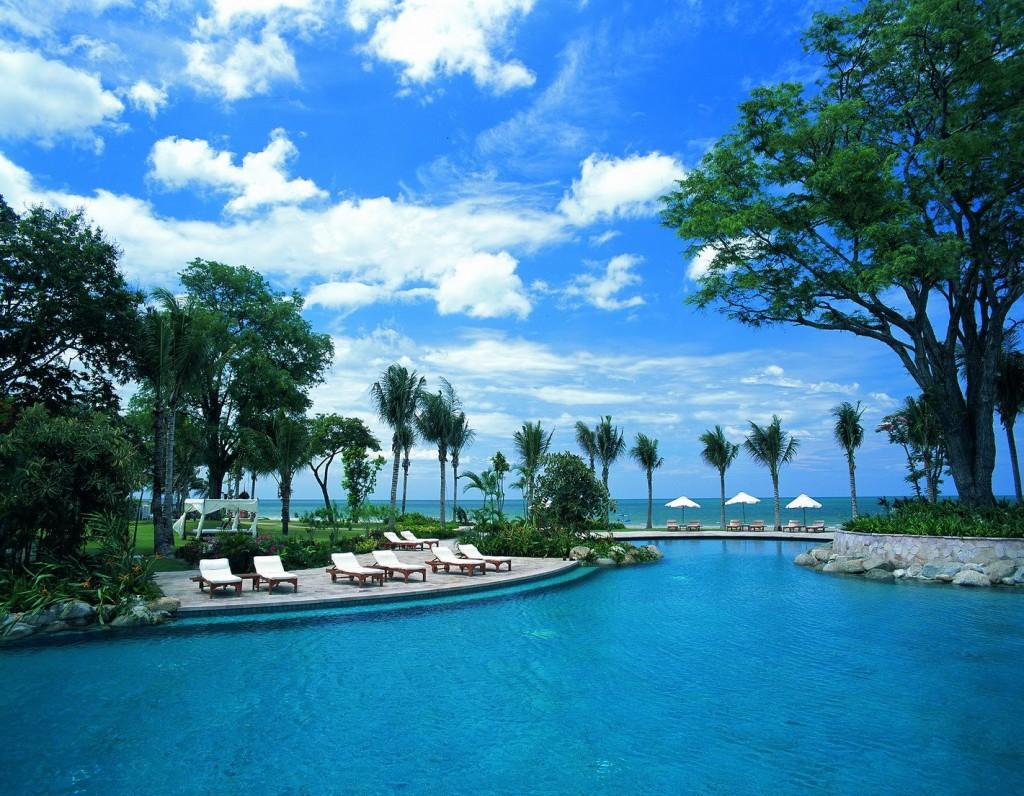 โรงแรมไฮแอท รีเจนซี่ หัวหิน-สระว่ายน้ำ