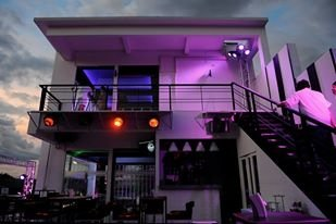 MODE BAR & Restaurant ChiangMai-บรรยากาศนอกร้าน