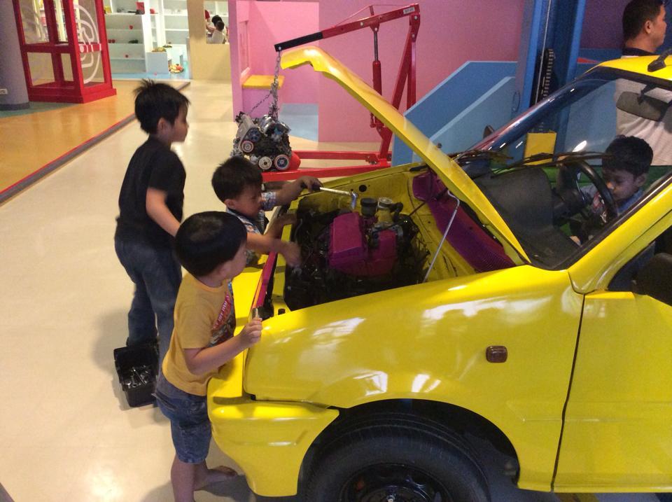 พิพิธภัณฑ์เด็ก กรุงเทพมหานคร-ซ่อมรถ