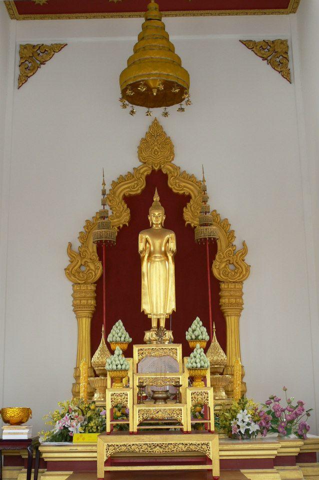 วัดยานนาวา-พระพุทธรูป-สวยงาม