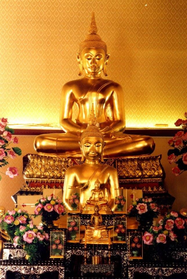 วัดยานนาวา-พระพุทธรูป
