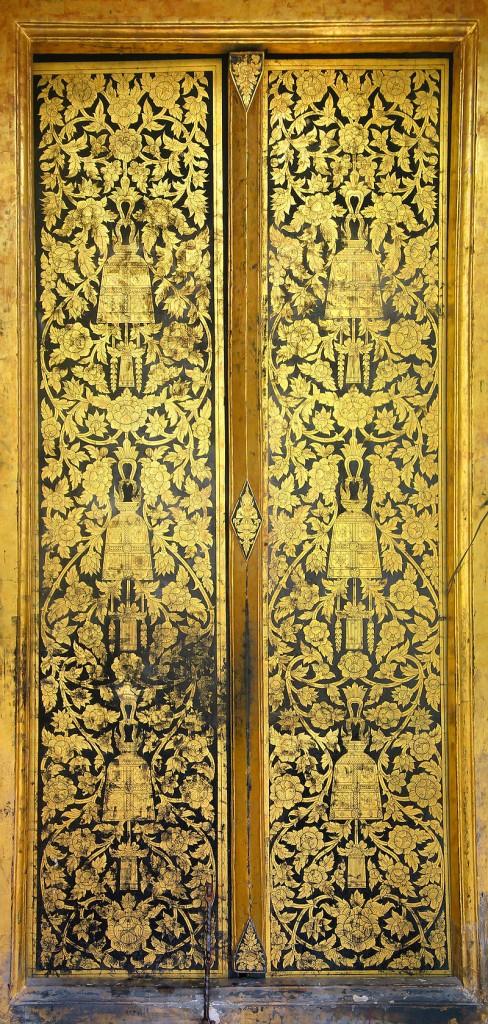 วัดระฆังโฆสิตารามวรมหาวิหาร-บานประตูเก่า