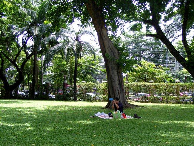 สวนลุมพินี-ร่มรื่น