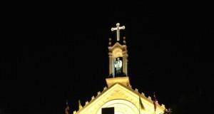 โบสถ์เซนต์ฟรัง-ยามค่ำคืน