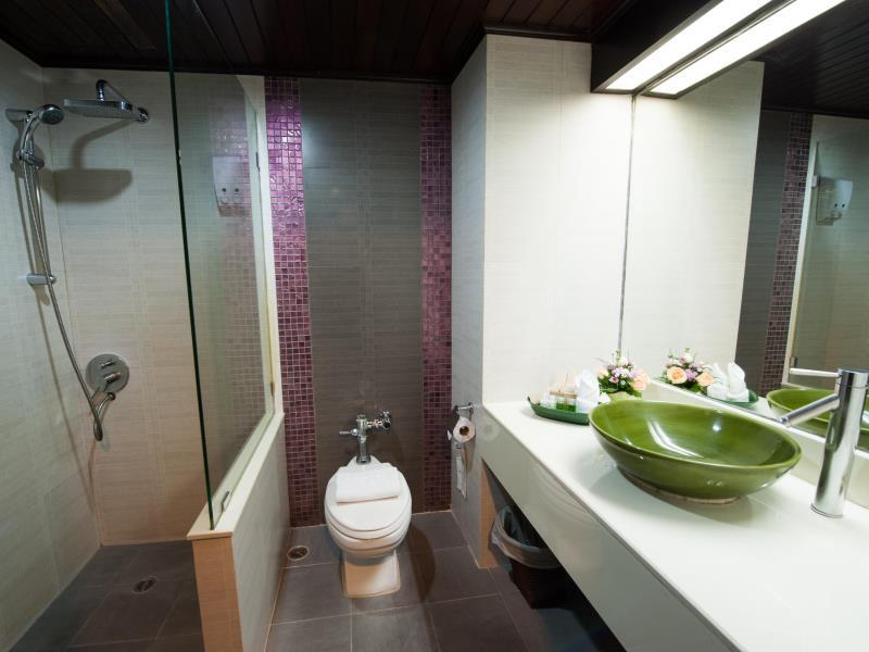 พินนาเคิ้ล ลุมพินี พาร์ค-ห้องน้ำ