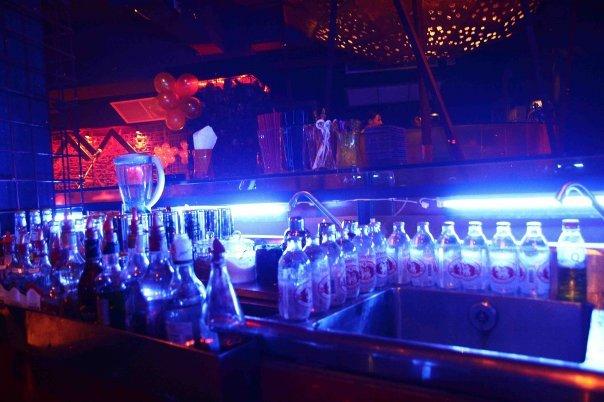 ลาวา โกลด์ - บาร์เครื่องดื่ม