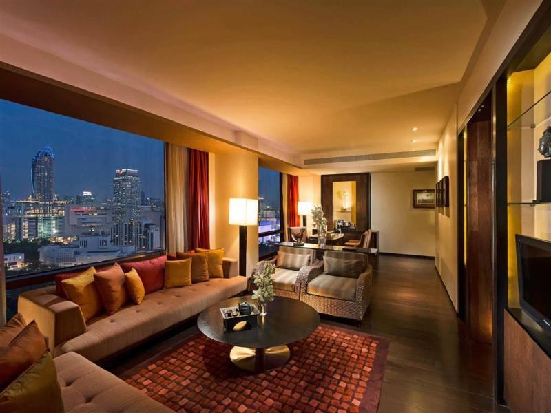 โรงแรมวี กรุงเทพ-บรรยากาศห้องสูท