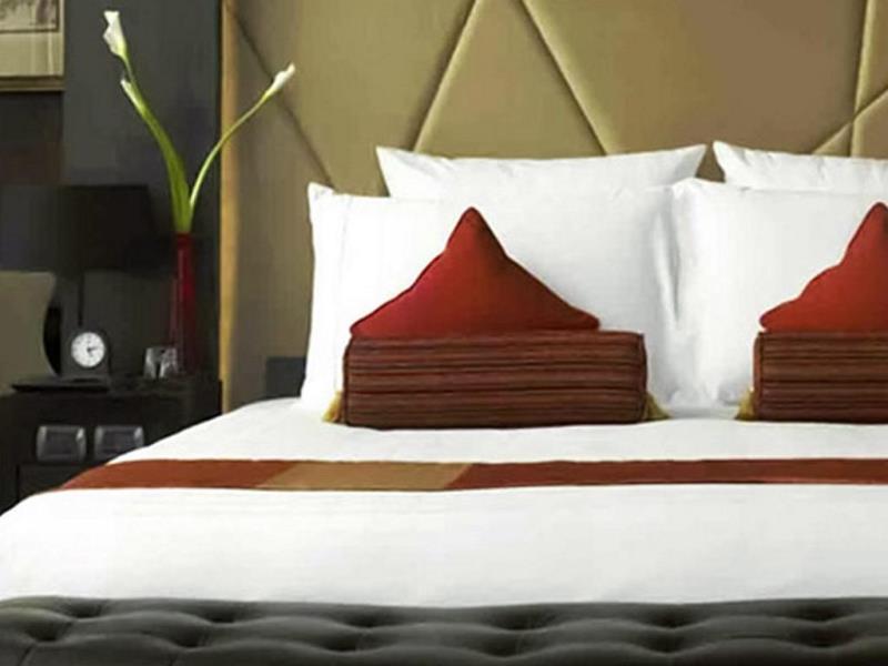 โรงแรมวี กรุงเทพ-เตียงนอนนุ่มๆ