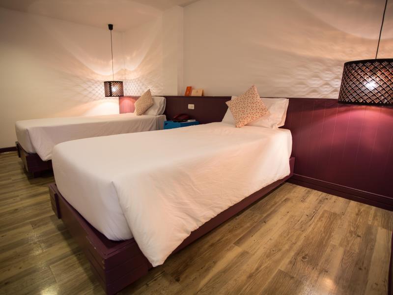 โรงแรมเฟิร์สเฮ้าส์-ห้องพักสวยๆ