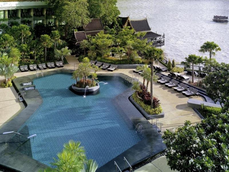 โรงแรมแชงกรี-ลา-สระว่ายน้ำ
