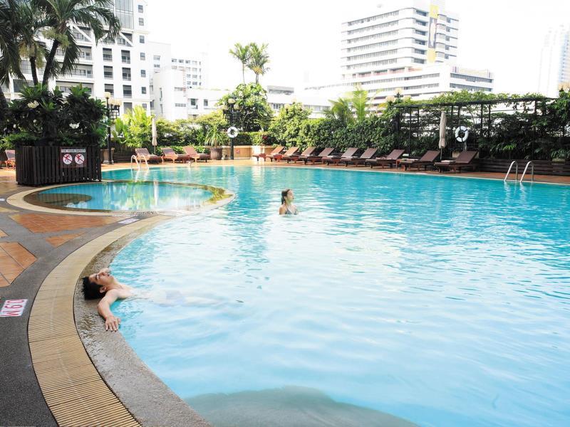 โรงแรมโนโวเทล กรุงเทพ สยามสแควร์-สระว่ายน้ำ