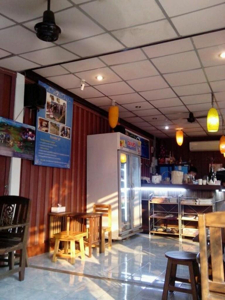 กาแฟสดภู 2-ภายในร้าน