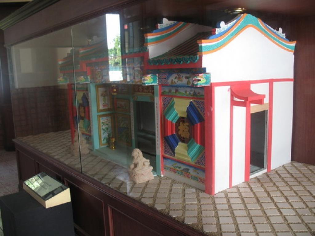 พิพิธภัณฑ์จังหวัดหนองคาย-โมเดลศาลเจ้าเวียดนาม