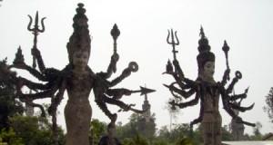 ศาลาเเก้วกู่-ปะติมากรรมกลิ่นอายฮินดู