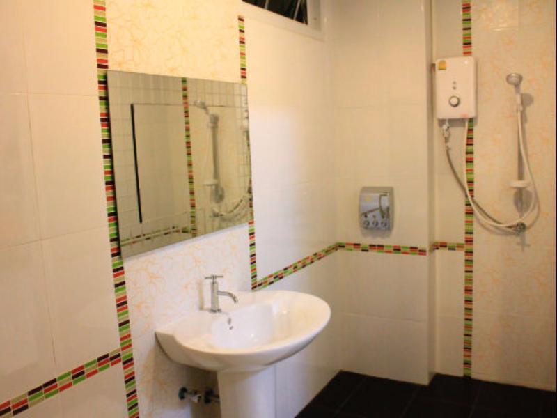โมเดิร์น อินน์ บาย สายฝน-ห้องน้ำ