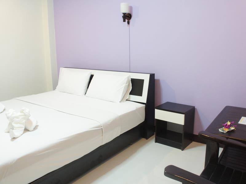 โรงแรมน่าน เทรชเชอร์-น่านอน