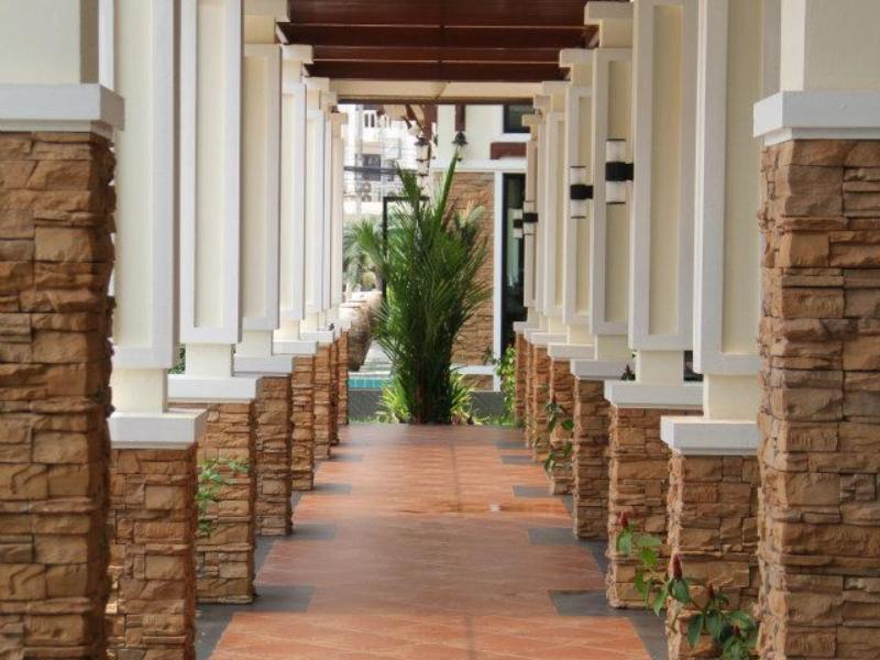 โรงแรมรอยัล นาคารา หนองคาย-ทางเดิน