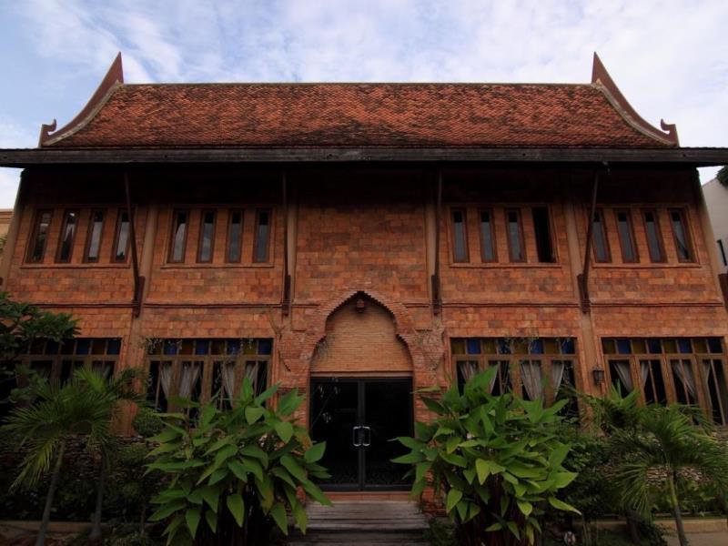โรงแรมเรือนไทย-ด้านหน้า