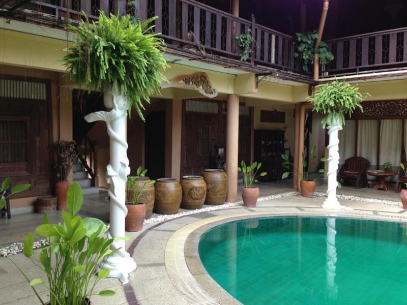 โรงแรมเรือนไทย-ภายใน