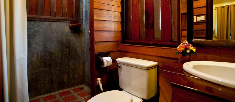 บ้านกระทิงปาย รีสอร์ท -ห้องน้ำ