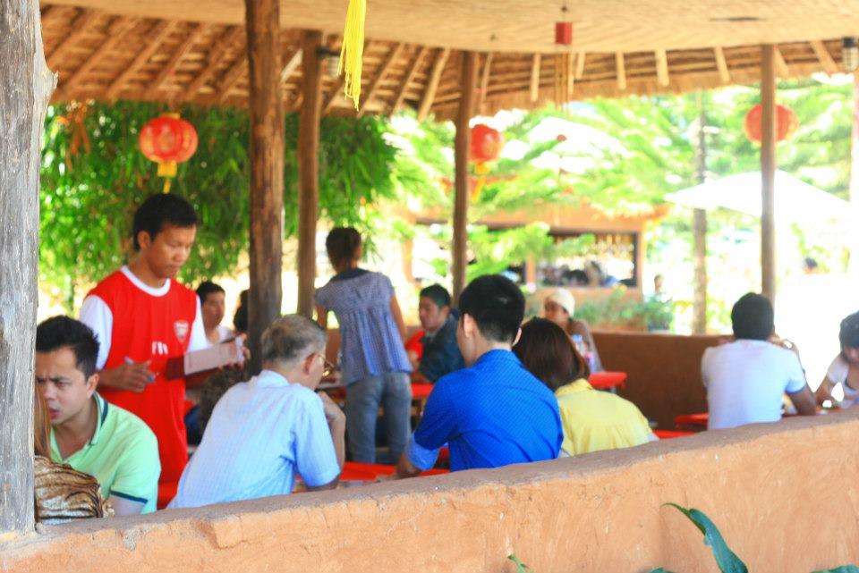 ร้านอาหารจีนยูนาน บ้านสันติชล-บรรยากาศความคึกคัก