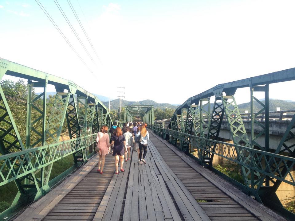 สะพานประวัติศาสตร์ ท่าปาย-บรรยากาศยามเย็น
