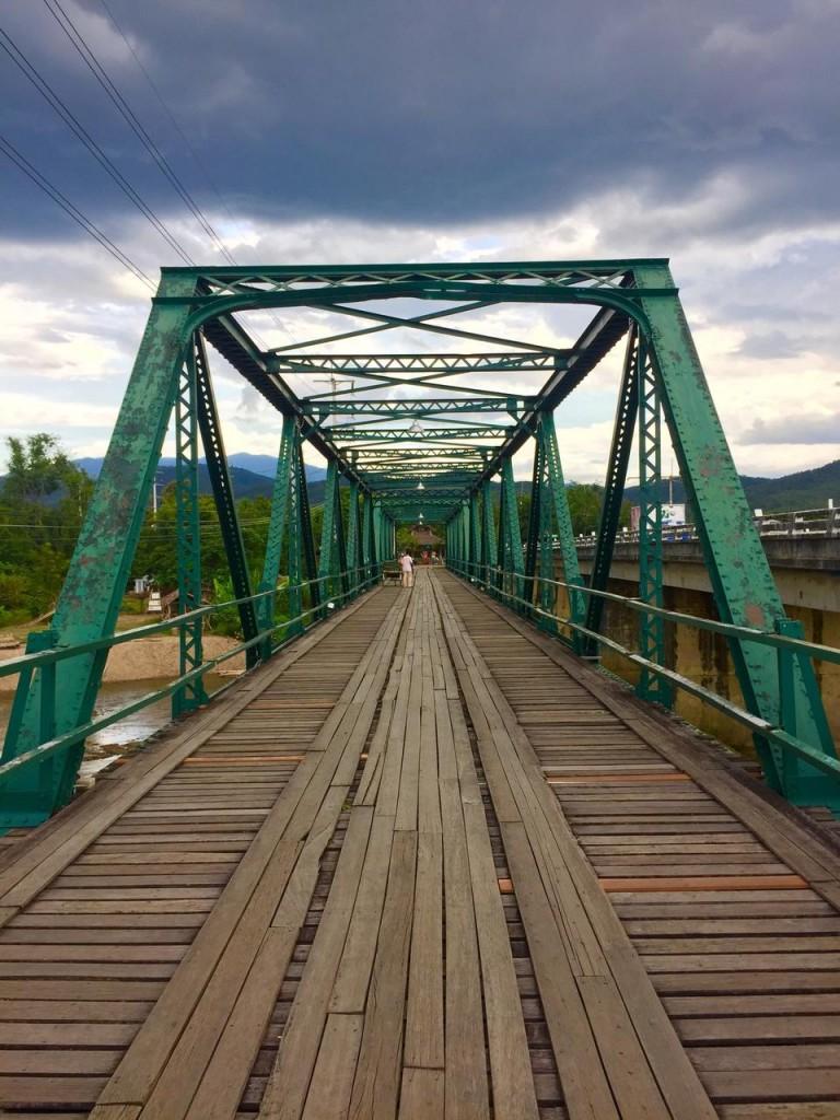 สะพานประวัติศาสตร์ ท่าปาย-สวยงาม