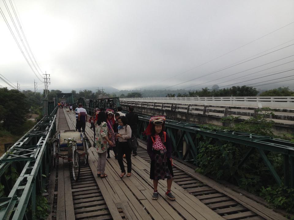 สะพานประวัติศาสตร์ ท่าปาย-เก่าใหม่เคียงคู่กัน