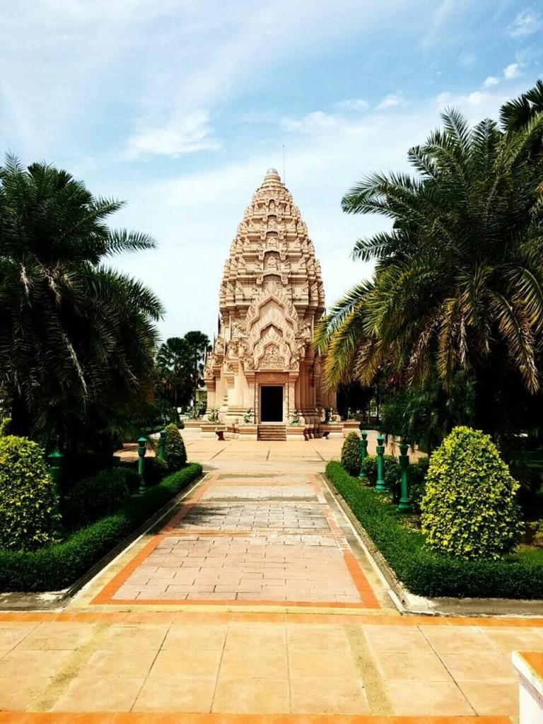 ศาลหลักเมืองบุรีรัมย์-งดงาม