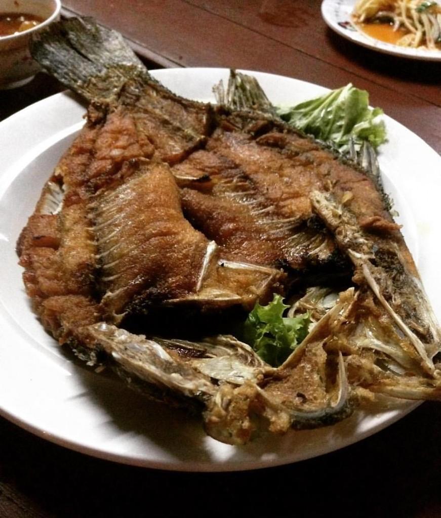 ร้านปูจ๋า ท่าแฉลบ-ปลาอร่อยๆ