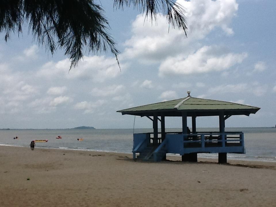 หาดแหลมสิงห์-หาด