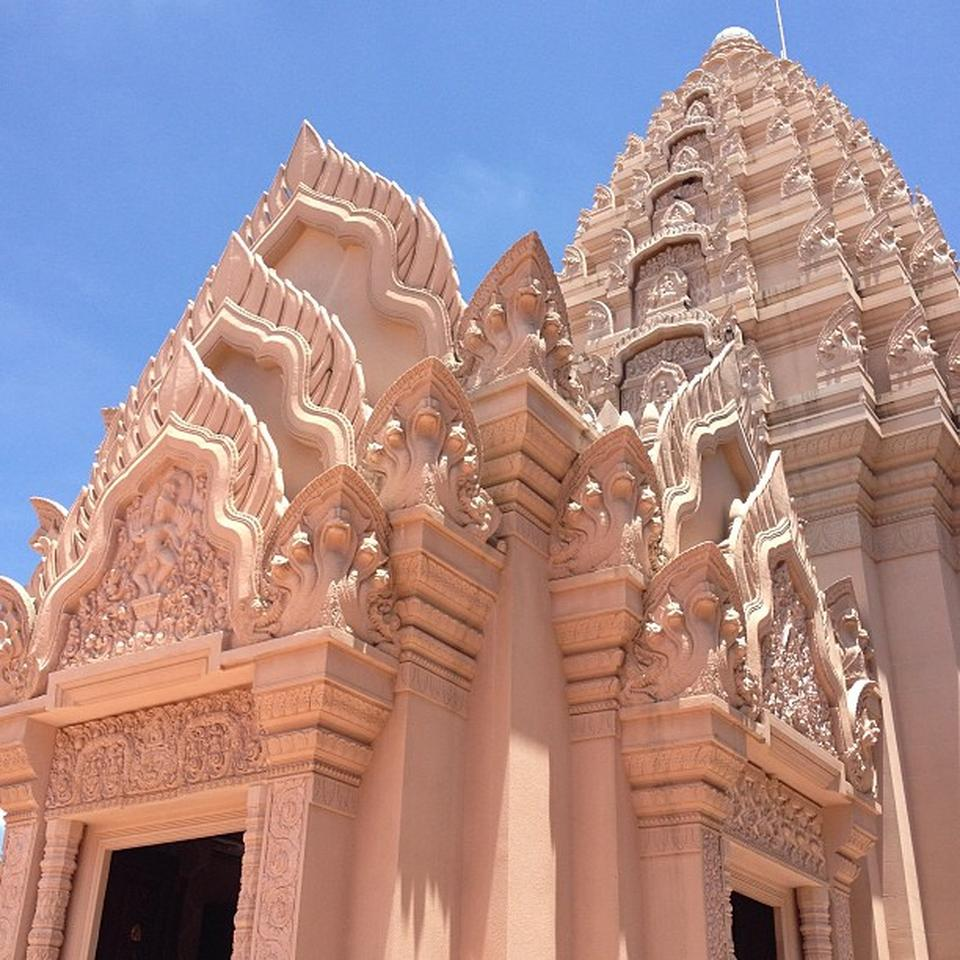 10 ที่เที่ยวสุดแนวของบุรีรัมย์-ศาลหลักเมืองบุรีรัมย์