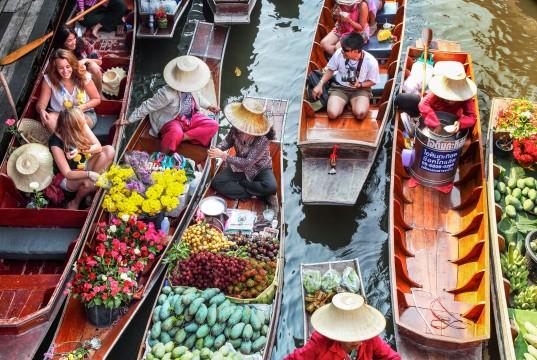 10 สถานที่ท่องเที่ยวสุดชิลของราชบุรี-ตลาดน้ำดำเนินสะดวก