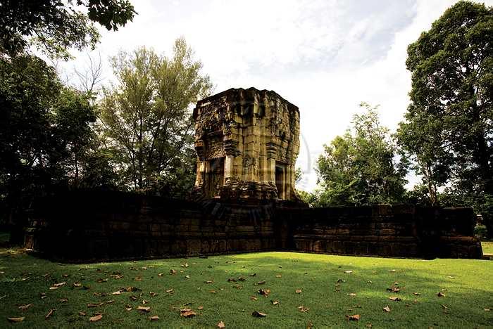 10 ที่ท่องเที่ยวสุดประทับใจในสุรินทร์-ปราสาทหินบ้านพลวง