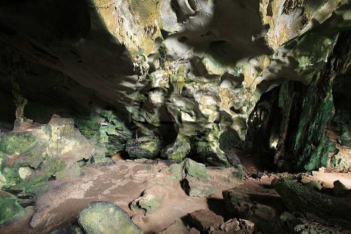 10 ที่เที่ยวจังหวัดสระเเก้ว สุดเเสนชิล-ถ้ำเพชรโพธิ์ทอง