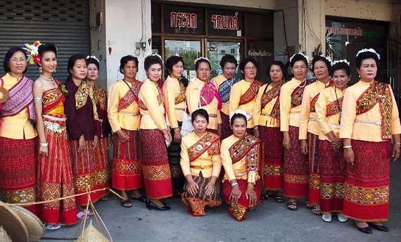 10 ที่เที่ยวสุดชิคของจังหวัดชัยนาท-หมู่บ้านวัฒนธรรมลาวครั่งบ้านกุดจอก