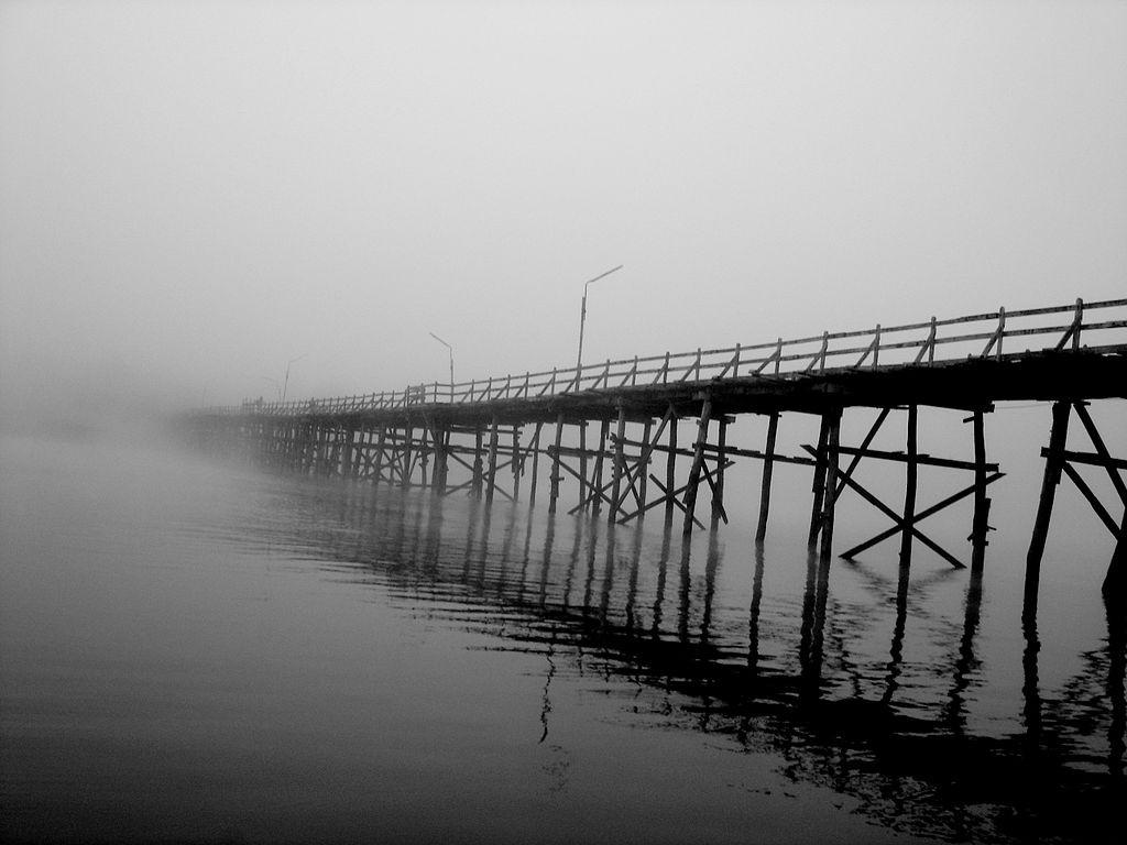 10 ที่เที่ยวเเสนงามของกาญจนบุรี-สะพานมอญ