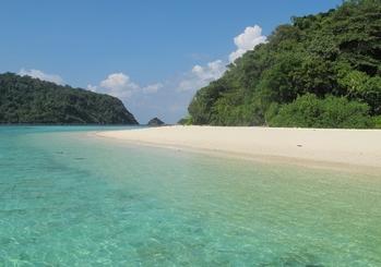 10 ที่เที่ยวเเสนสวยของตรัง-เกาะรอก