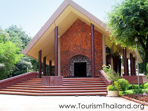 10 สถานที่ท่องเที่ยวสุดสวยของสกลนคร-พิพิธภัณฑ์พระอาจารย์มั่น ภูริทัตโต